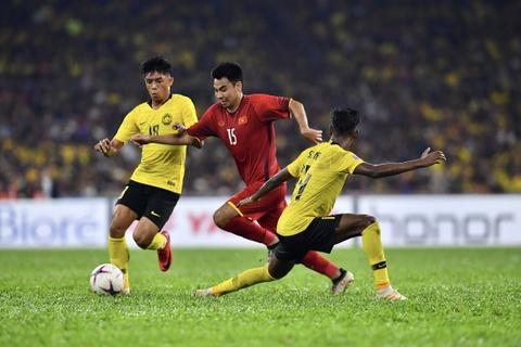 Báo Malaysia chê hàng thủ đội nhà đá kém trước tuyển Việt Nam