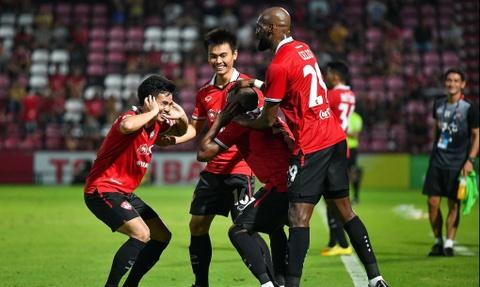 Doi bong Muangthong United chieu mo Dang Van Lam giau co nao? hinh anh 1