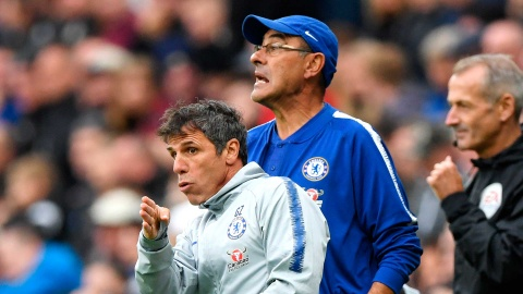 Bao Italy: Gianfranco Zola the cho HLV Sarri tai Chelsea hinh anh