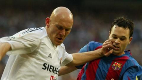 Thomas Gravesen: Tu thua bai bac trieu USD den be rang Ronaldo hinh anh