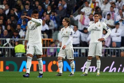 Mua giai vut di cua Real Madrid va cai gia cho nhung ke kieu ngao hinh anh 3