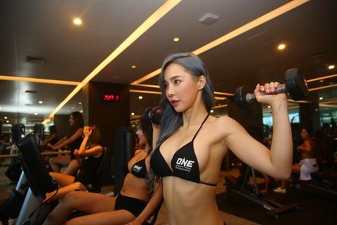 Ngoai 'Ring Girl', One Championship tai Viet Nam con co ai? hinh anh