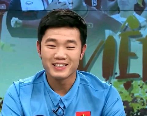 Xuan Truong, Quang Hai, Phan Van Duc chia se ve HLV Park Hang-seo hinh anh