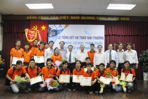 Nguyen vong bo sung 2013: lua chon truong dai hoc chat luong hinh anh