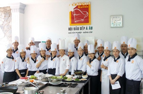 Hoc nghe bep voi Huong Nghiep A Au hinh anh