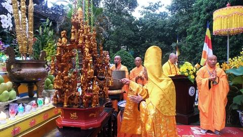 Phong sinh o Ha Noi, Sai Gon, ruoc Phat tai Hue ngay Phat dan hinh anh 15