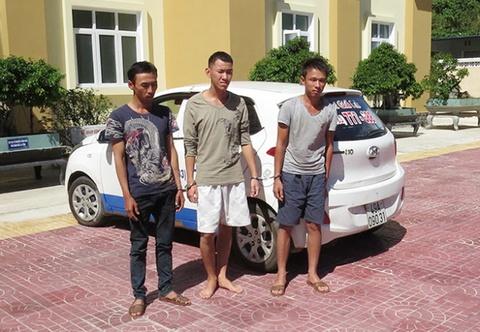 Ap giai 3 ten cuop taxi tu Kon Tum ve Lam Dong hinh anh