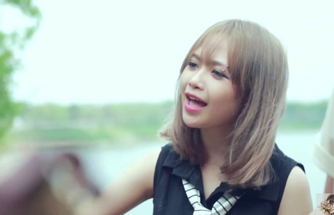Mo Naive tro lai voi clip cover 'Thinking out loud' hinh anh