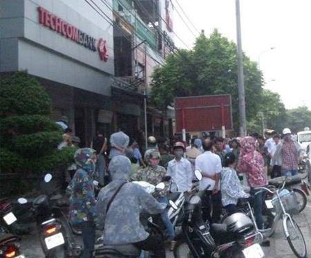 Bao ve ngan hang chet loa the khong phai an mang hinh anh