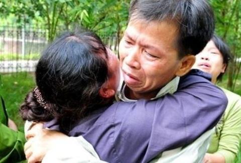 Buc thu cam dong cua ong Chan gui vo tu trong tu hinh anh