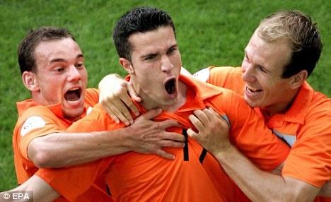 Doan ket buon cho Sneijder, Robben va Persie hinh anh