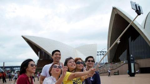 Nha hat Opera Sydney cam gay selfie hinh anh