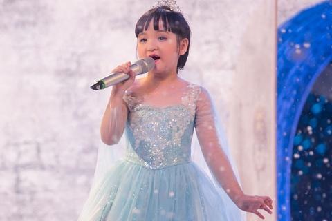 Con gai Trang Nhung hat nhac kich tai Got Talent hinh anh
