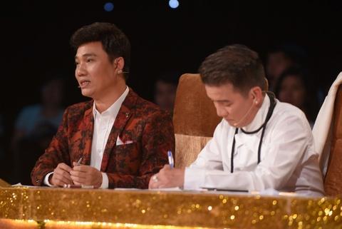 Dam Vinh Hung benh vuc Quang Linh tren ghe nong hinh anh