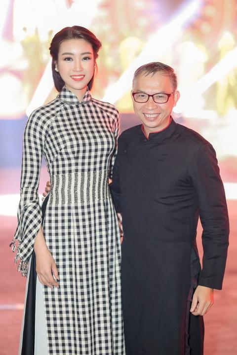 Hoa hau My Linh dien ao dai doc dao di cham thi hinh anh 7
