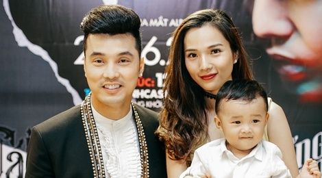 Ung Hoang Phuc danh rieng bai hat cho con trai trong album hinh anh