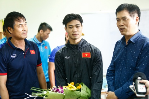 Truong Doan the thao Viet Nam dong vien U22 Viet Nam truoc SEA Games hinh anh