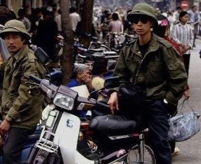 Su doi ngoi cua nhung mau xe may huyen thoai tai Viet Nam hinh anh