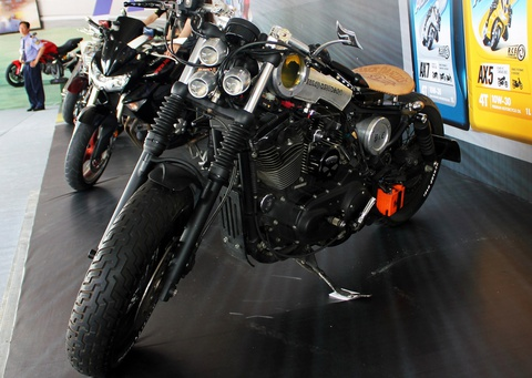 Harley-Davidson do kieu bobber sieu doc cua biker mien Trung hinh anh