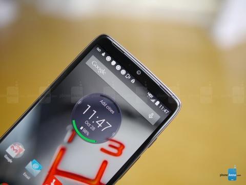 Motorola DROID Turbo man hinh 5,2 inch QHD ra mat hinh anh