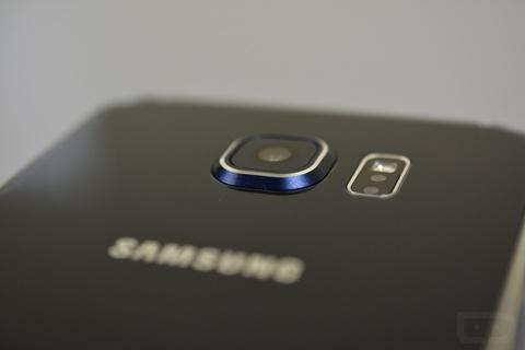 Samsung xac nhan dung cam bien Sony tren Galaxy S6 hinh anh