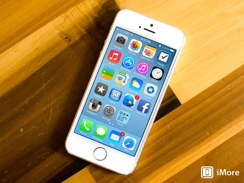 iPhone 5S la dien thoai Apple pho bien nhat hinh anh