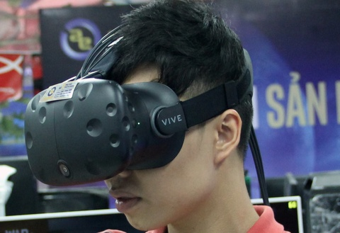 hinh anh htc vive hinh anh