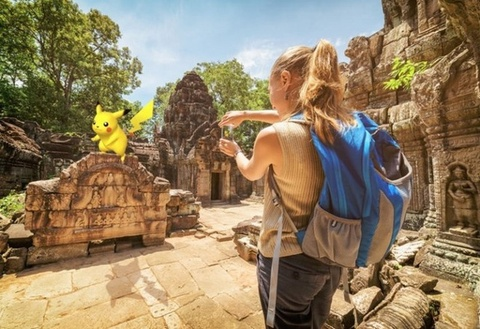 Hoang tu Campuchia bat pokemon trong cung dien hinh anh