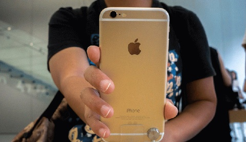 Apple 'tro mat' voi chuoi cung ung linh kien cho iPhone hinh anh