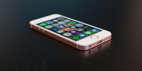 Vi sao iPhone SE dang dung hon iPhone 7? hinh anh