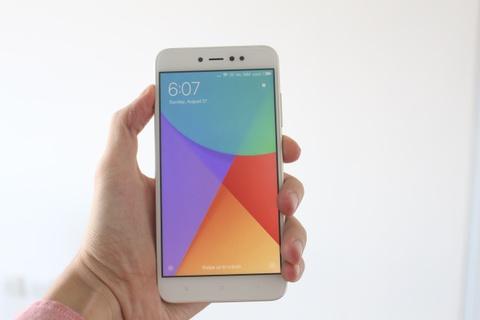 Mo hop Redmi Note 5A - smartphone gia re cua Xiaomi hinh anh