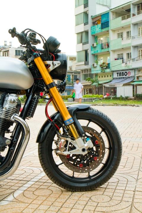 Honda CB1100 hoai co voi loat phu kien dat tien cua biker SG hinh anh 3