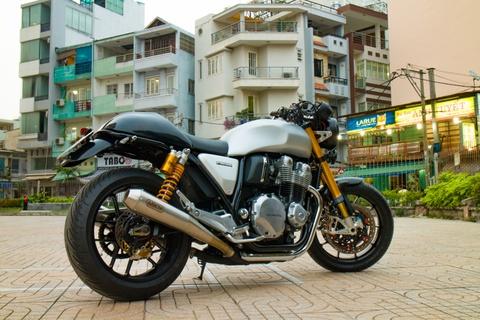 Honda CB1100 hoai co voi loat phu kien dat tien cua biker SG hinh anh 1