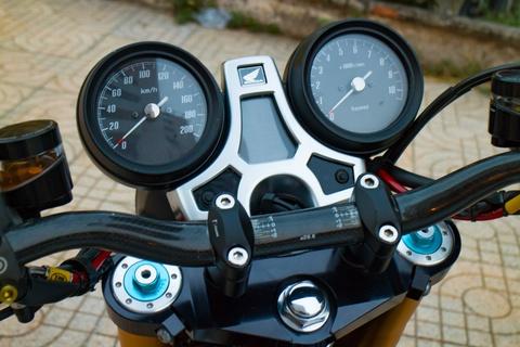 Honda CB1100 hoai co voi loat phu kien dat tien cua biker SG hinh anh 7