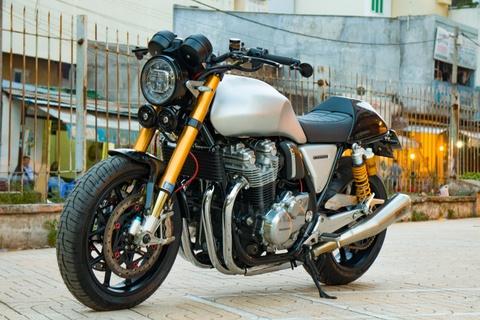 Honda CB1100 hoai co voi loat phu kien dat tien cua biker SG hinh anh 2