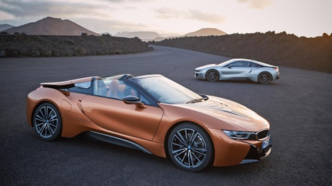 BMW i8 Roadster co gia 164.000 USD hinh anh