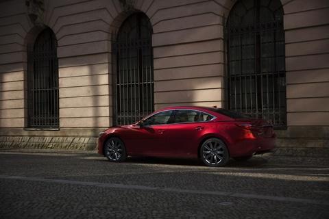 Mazda6 2018 - Tuyet tac gia mem hinh anh