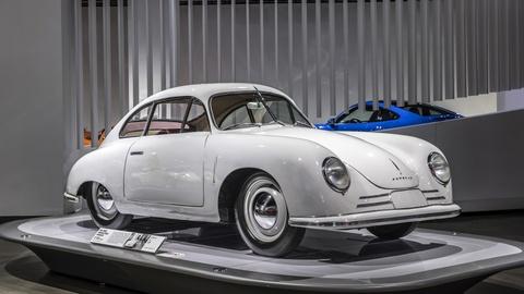 Nhung mau xe huyen thoai cua Porsche tai bao tang xe lon nhat the gioi hinh anh