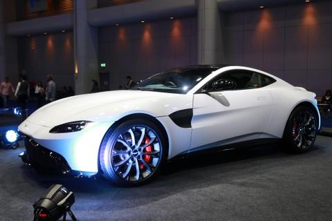 Tuyet tac Aston Martin Vantage 2019 den Dong Nam A hinh anh