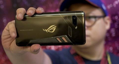 Asus thu nghiem smartphone RAM 10 GB hinh anh
