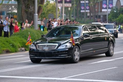 Mercedes-Benz S600 dac trach cho ong Kim Jong Un tai Singapore hinh anh