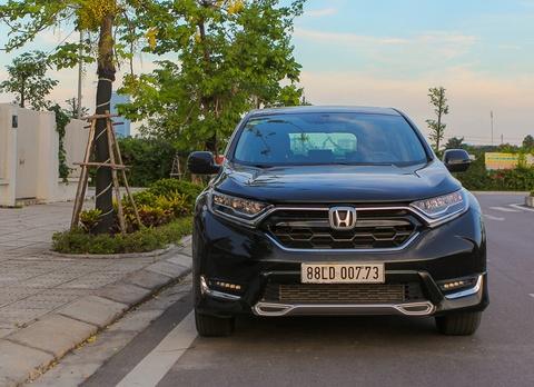 Cam nhan Honda CR-V 2018 - Thay doi de tim lai vi the hinh anh