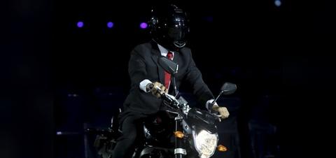 Tong thong Indonesia chay mau moto gi trong le khai mac ASIAD? hinh anh