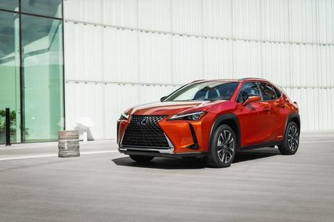 Lexus UX 2019 chot gia tu 32.000 USD, ban ra vao thang 12 hinh anh 1