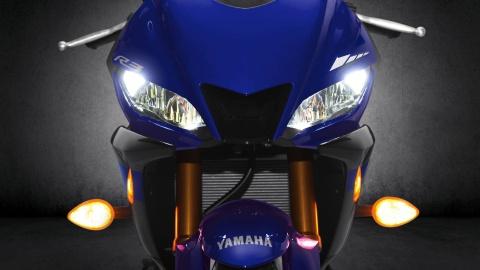 Yamaha YZF-R3 2019 so huu kieu dang moi, cai tien dong co hinh anh 4