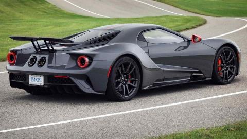GT Carbon Series - sieu xe nhe nhat cua Ford ra mat hinh anh 2