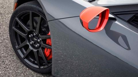 GT Carbon Series - sieu xe nhe nhat cua Ford ra mat hinh anh 4