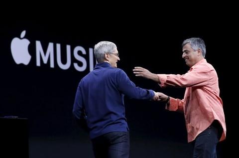 Nhung thuong vu thau tom cua Apple trong nam 2018 hinh anh