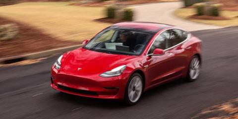 Nhận gần 1 triệu USD khi hack thành công Tesla Model 3