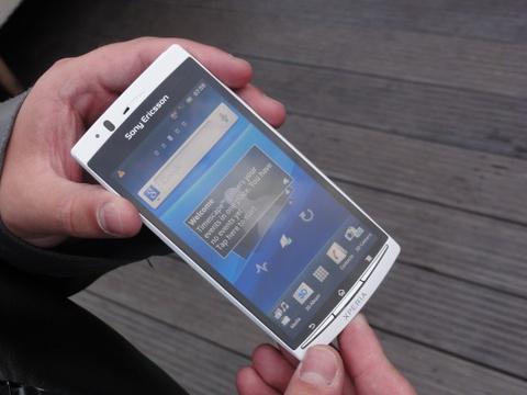 Vi sao Sony, HTC 'mat hut' tren thi truong di dong? hinh anh 1